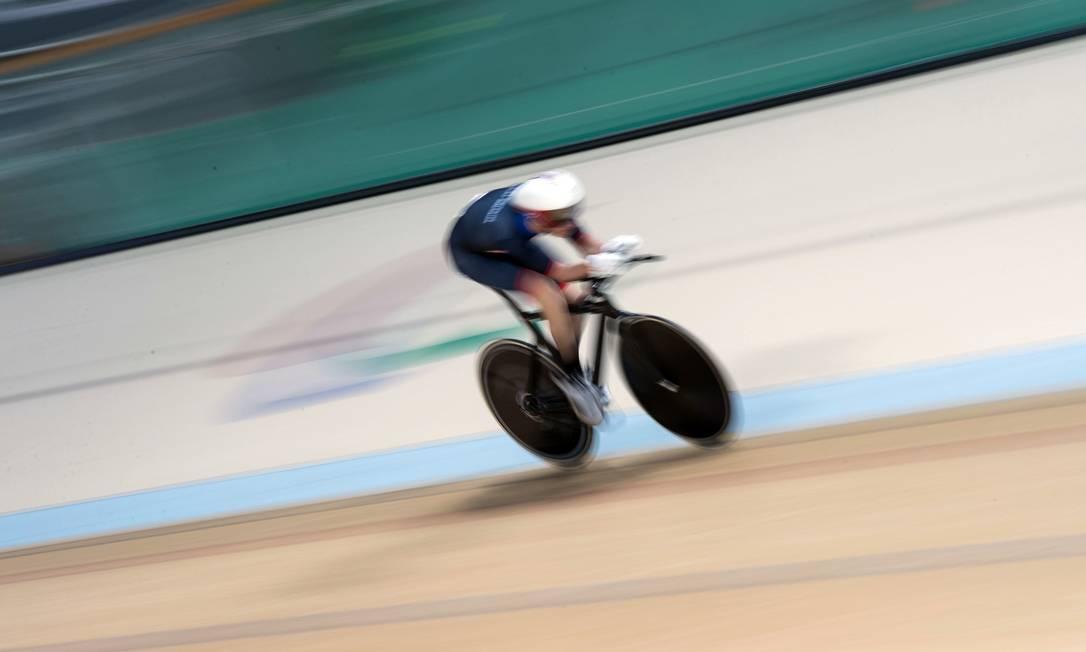 O britânico Jody Cundy no ciclismo de pista: ouro no contrarrelógio (1.000m) da classe C4-5 Mauro Pimentel / AP