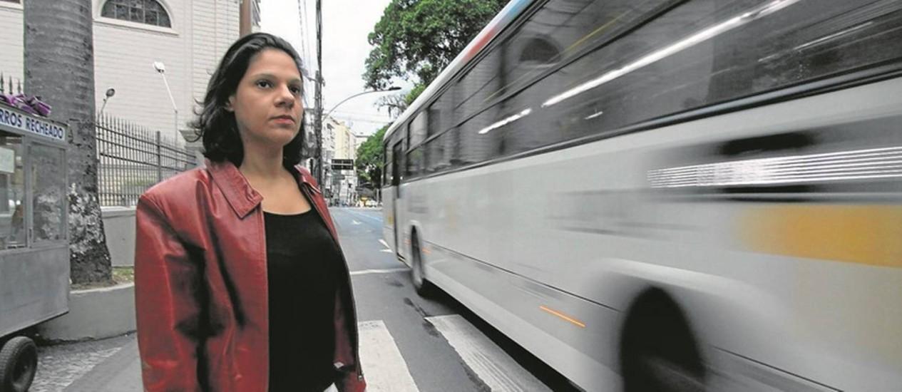 """A consultora de marketing Luna Paladino, moradora de Botafogo: apesar de gostar de viver no bairro, ela reclama do """"trânsito insuportável"""" em algumas vias Foto: Paulo Nicolella"""