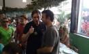 Freixo e Crivella se encontram em restaurante na Feira de São Critóvão Foto: Marcello Corrêa