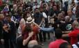 Grupos pró e contra governo entram em confronto em manifestação em São Paulo
