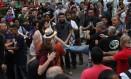 Grupos pró e contra governo entram em confronto em manifestação em São Paulo Foto: Marcos Alves