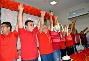 Estudante de Medicina, Judas Tadeu Alves (segundo a partir da esquerda) é candidato a prefeito de Caicó Foto: Divulgação