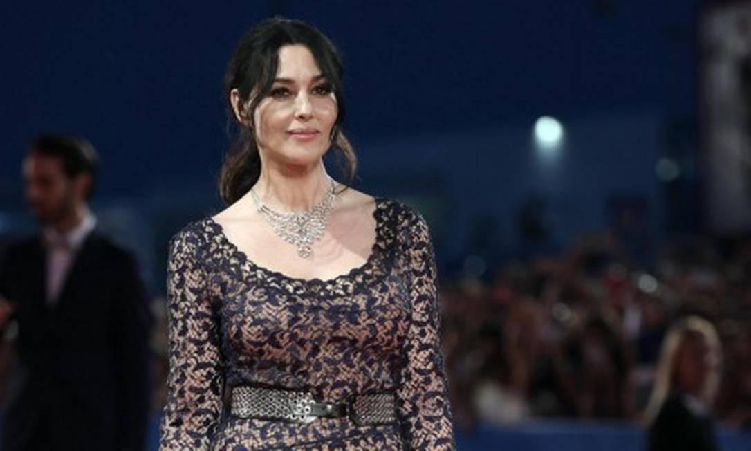 Na última sexta-feira, Monica Bellucci desfilou pelo tapete vermelho do festival de cinema italiano Ettore Ferrari / AP