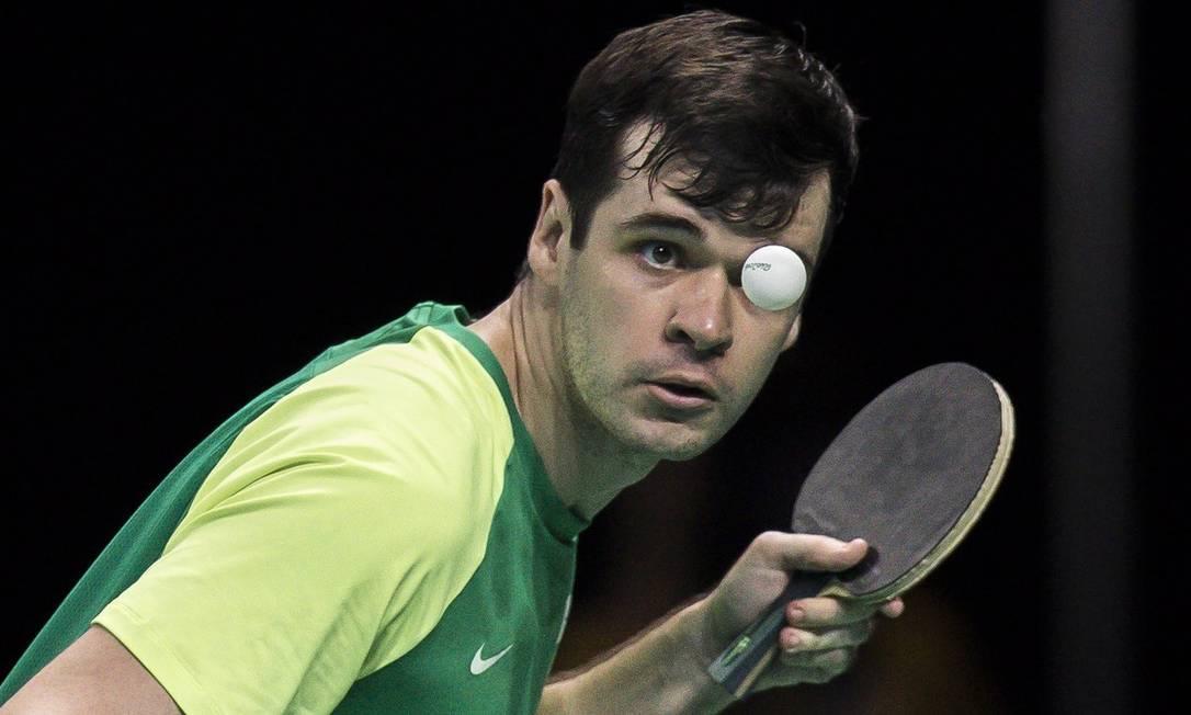 O brasileiro Israel Pereira Stoh perde a partida contra o Inglês Jonh Bayley e leva a prata Hermes de Paula / Agência O Globo