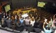 Servidores do Judiciário protestam nas galerias da Câmara, durante uma sessão realizada em agosto