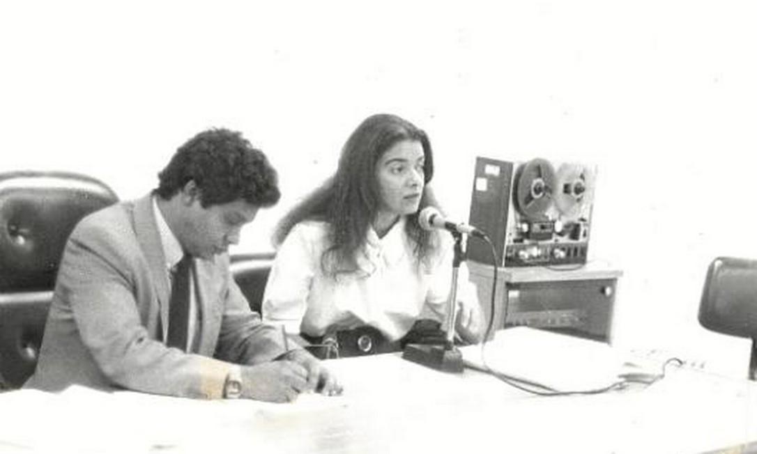 Cármen Lúcia, nos anos 80, em palestra sobre Direito Constitucional, área em que obteve mestrado pela Universidade Federal de Minas Gerais (UFMG). Ela também é doutora em Direito do Estado pela Universidade de São Paulo (USP) Foto: Arquivo pessoal