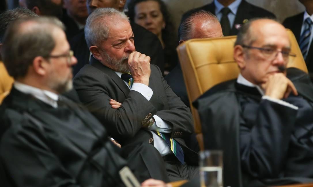 O ex-presidente Luiz Inácio Lula da Silva, que indicou a ministra para o cargo, acompanha a sessão Foto: Agência Brasil