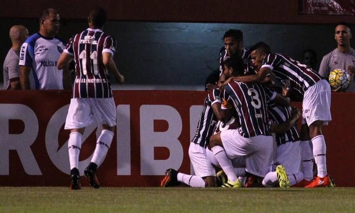 Jogadores do Fluminense comemoram o gol de Douglas, o primeiro do tricolor sobre o Atlético-MG Foto: Nelson Perez/Divulgação Fluminense