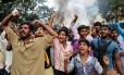 Carros foram queimados e um manifestante morreu, segundo a AP