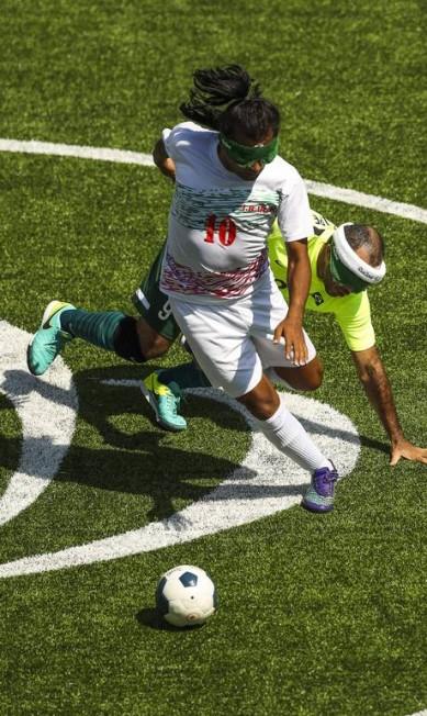 ES Rio de janeiro(rj) - 13/09/2016 - PARALIMMPIADAS FUTEBOL - Brasil empata com o Ira no futebol de 5. Guilherme Leporace/Agência O Globo