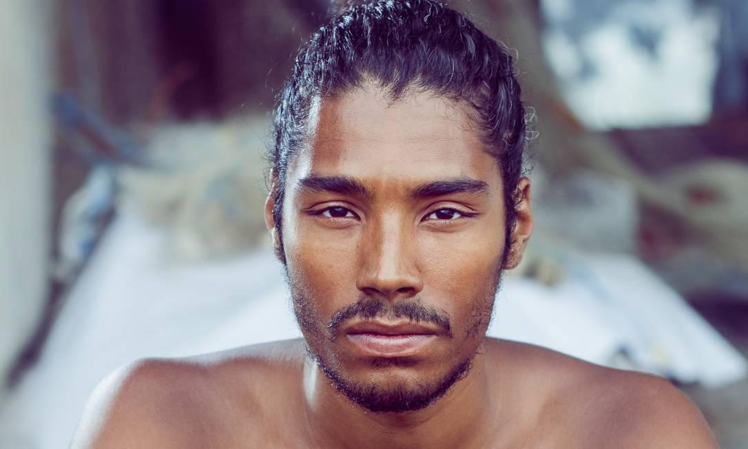 Cria do Nós do Morro, Diogo Sales ficou conhecido após interpretar um dos guerreiros dothrakis na sexta temporada de