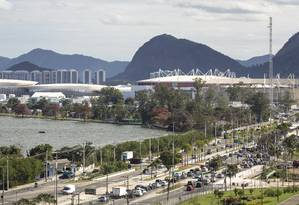 Avenida Embaixador Abelardo Bueno, perto do Parque Olímpico Foto: Leo Martins / Agência O Globo