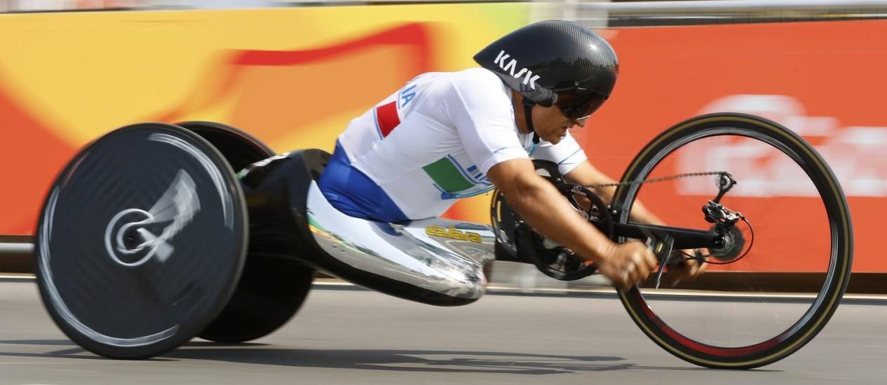 Alex Zanardi conquistou o ourona corrida contrarrelógio da classe H5, do ciclismo de estrada, na Paralimpíada do Rio Foto: REUTERS/Jason Cairnduff