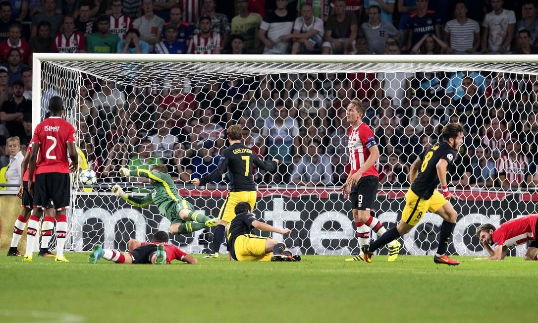 Atlético de Madrid fez 1 a 0 no PSV Eindhoven: o gol foi de Saul Niguez (8) OLAF KRAAK / AFP