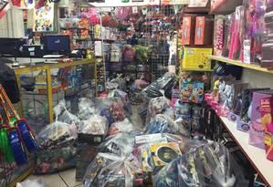 Crianças em risco. Brinquedos piratas: recorde de apreensões de pirataria em 2015 Foto: Divulgação / DRCPIM
