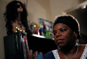 Tanya Walker em seu apartamento em Nova York Foto: BRENDAN MCDERMID / REUTERS