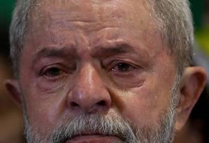 O ex-presidente Luis Inacio Lula da Silva em pronunciamento em hotel no centro da cidade Foto: Pedro Kirilos / Agência O Globo