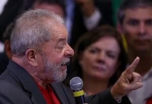 O ex-presidente Luis Inacio Lula da Silva em pronunciamento depois da denúncia do MPF Foto: Pedro Kirilos / Agência O Globo
