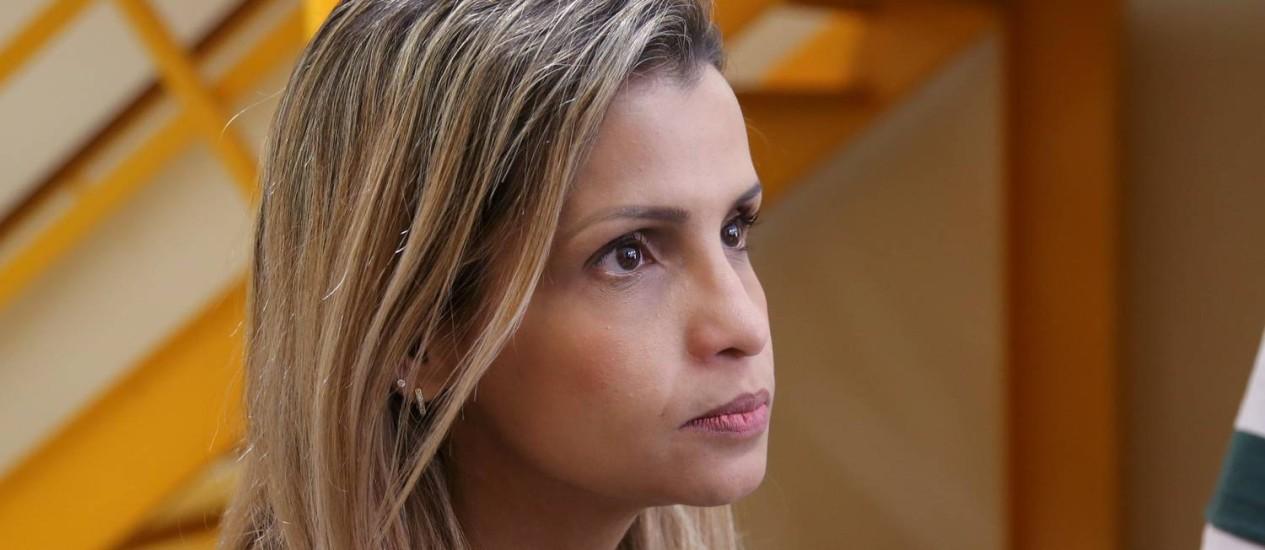 Delegada Cristiana Bento vê contradição em depoimento de mulher que entregou criança a Coronel Foto: Fabiano Rocha / Agência O Globo