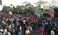 Movimento dos Trabalhadores Sem Teto protesta em frente ao palácio dos Bandeirantes, em São Paulo