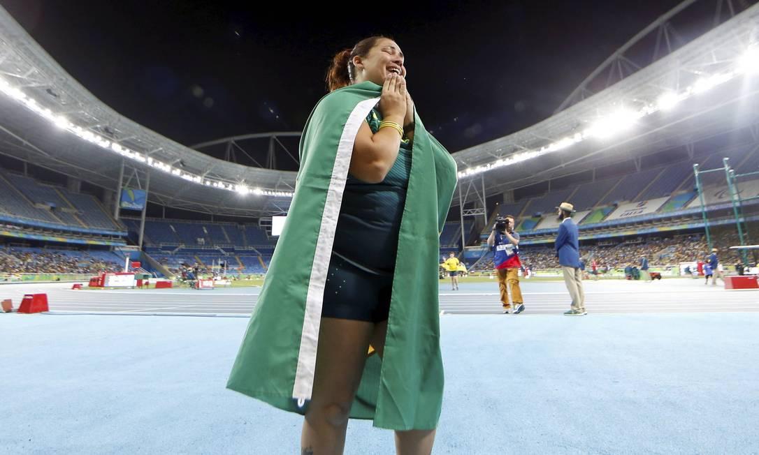 Marivana Nóbrega comemora com a bandeira do Brasil Pablo Jacob / Agência O Globo