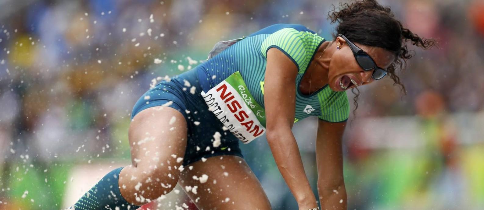 Silvania Costa conquistou o ouro no salto em distância T11 Foto: REUTERS/Jason Cairnduff