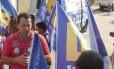 Valdir Leitão, sargento da PM e candidato a vereador em Nova Iguaçu pelo PHS, durante ato de campanha em 2012