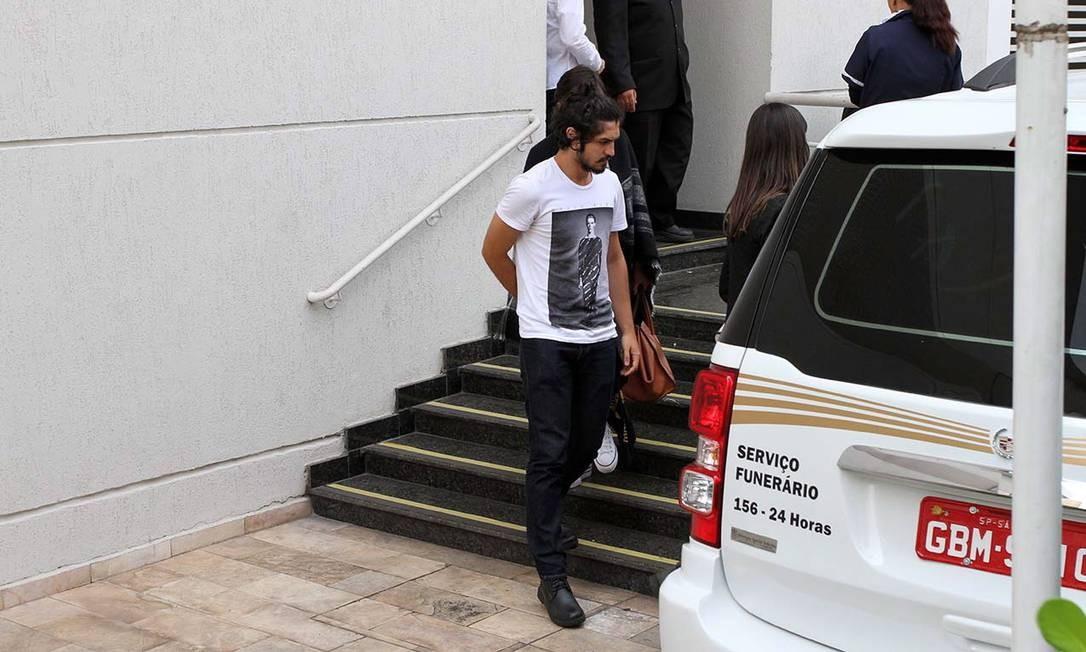 Gabriel Leone também esteve com Domingos Montagner nas últimas gravações do ator Orlando Oliveira / Agência O Globo