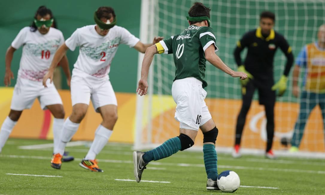 Brasil venceu o Irã e levou o ouro no futebol de 5 Pablo Jacob / Agência O Globo