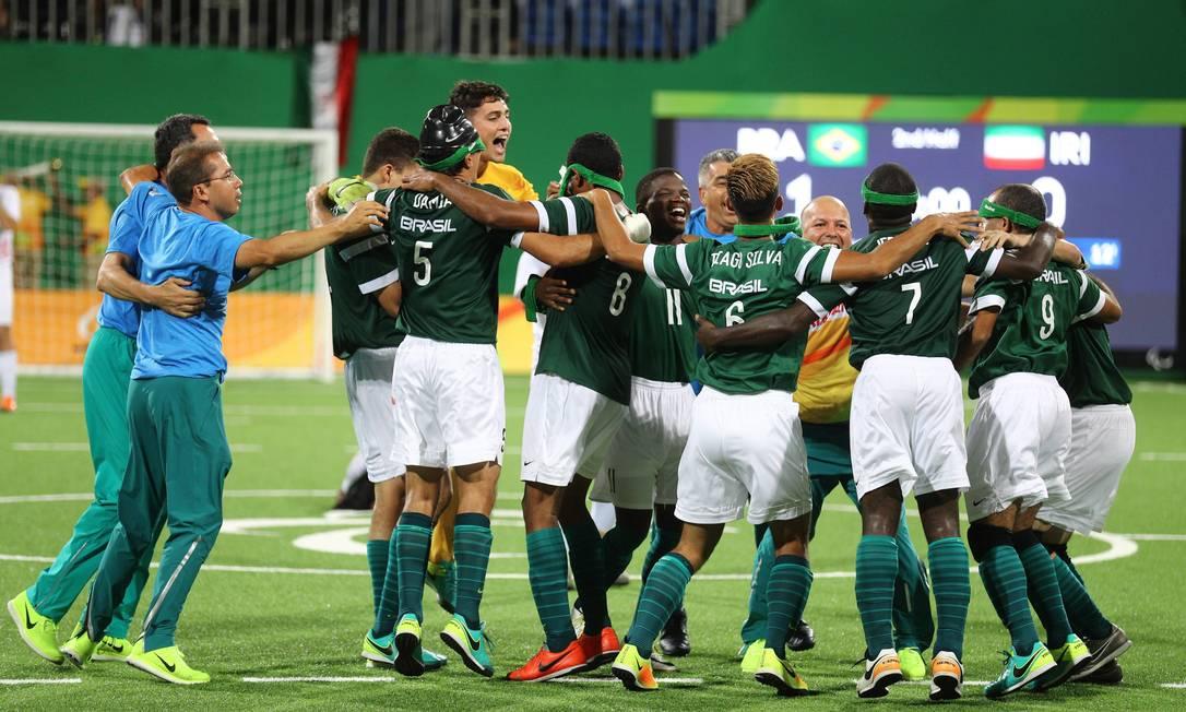 O Brasil venceu o Irã por 1 a 0 neste sábado e conquistou o seu quarto ouro paralímpico no futebol de 5 (para cegos) Pablo Jacob / Agência O Globo