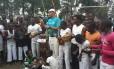 Mestre de capoeira, Flávio Saudade comanda roda com crianças e adolescentes na cidade de Goma