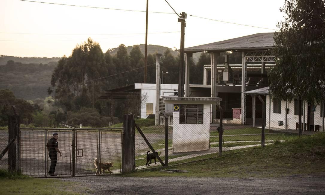 Portaria de um dos terrenos da mineração Tabiporã em Campo Largo Alexandre Cassiano / Agência O Globo