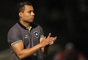 Jair Ventura disse que primeiro objetivo do Botafogo é garantir permanência na primeira divisão Foto: Vitor Silva / Botafogo