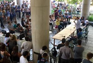 Estudantes da PUC acompanharam sabatina do candidato Carlos Osorio (PSDB) Foto: Guilherme Ramalho