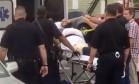 Ahmad Khan Rahami recebe primeiros socorros após ser ferido durante tiroteio com a polícia, em Linden Foto: REUTERS
