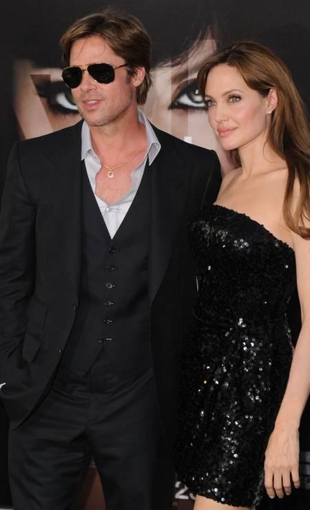 """Preto era o favorito do casal em eventos de trabalho, como na estreia de """"Salt"""", que teve Angelina no elenco Foto: Jason Merritt / AFP"""