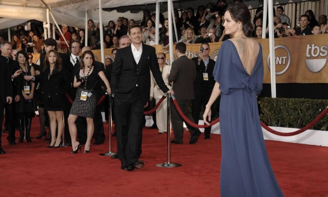O olhar apaixonado de Brad Pitt para mulher no tapete vermelho do SAG de 2009 Chris Pizzello / AP