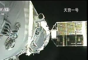Nave Shenzou 8 é acoplada à estação espacial Tiangong 1 Foto: Reprodução / Xinhua