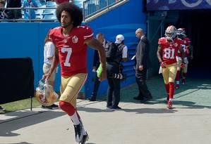 Ex-quarterback do San Fancisco 49ers Colin Kaepernick está sem time na atual temporada Foto: Grant Halverson / AFP