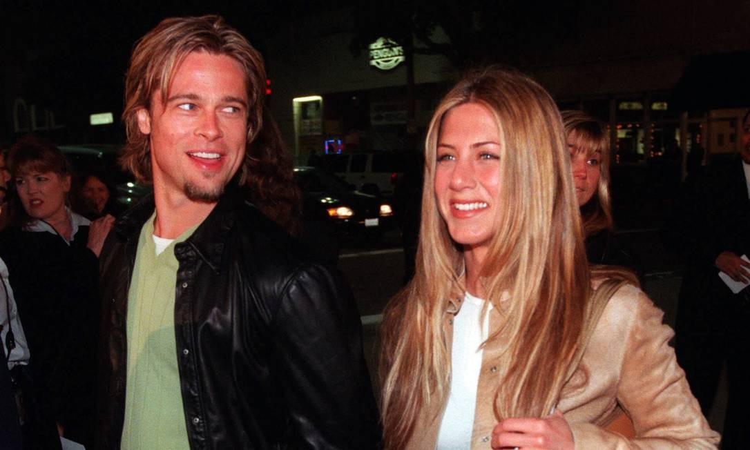 Em 1998, no auge do sucesso em 'Friends', a atriz e Brad Pitt assumiram o relacionamento. Em 2000, os dois se casaram em uma cerimônia de US$ 1 milhão. Cinco anos depois, anunciaram o divórcio CHRIS PIZZELLO / AP