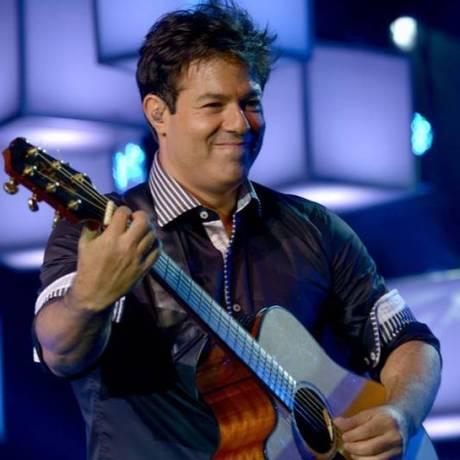 Alex Cohen canta para os fãs na internet diariamente Foto: Washington Possato / Divulgação