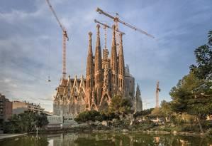 A Sagrada Família, obra de Antoni Gaudí, cercada por andaimes Foto: Pep Daude / Divulgação