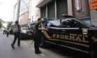 Lava Jato: Policia Federal chega ao prédio de empresa de Eike Batista para cumprir mandado Foto: Custódio Coimbra / Agência O Globo
