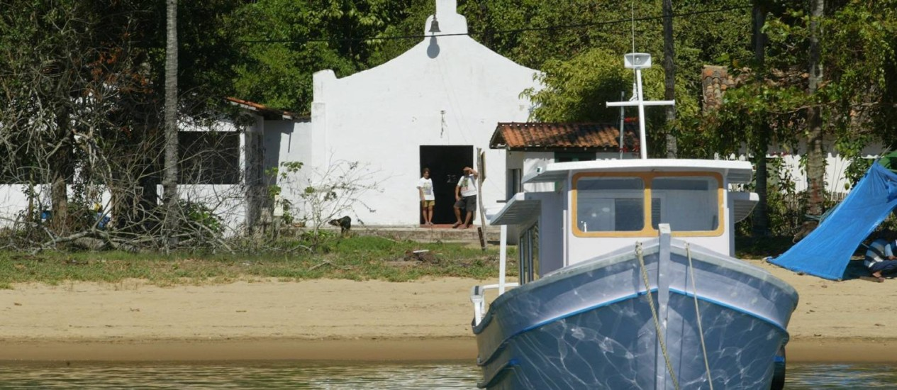 Trecho da Praia de Matariz, onde turistas paulistas foram atacados Foto: Custódio Coimbra - 21/08/2003 / Agência O Globo