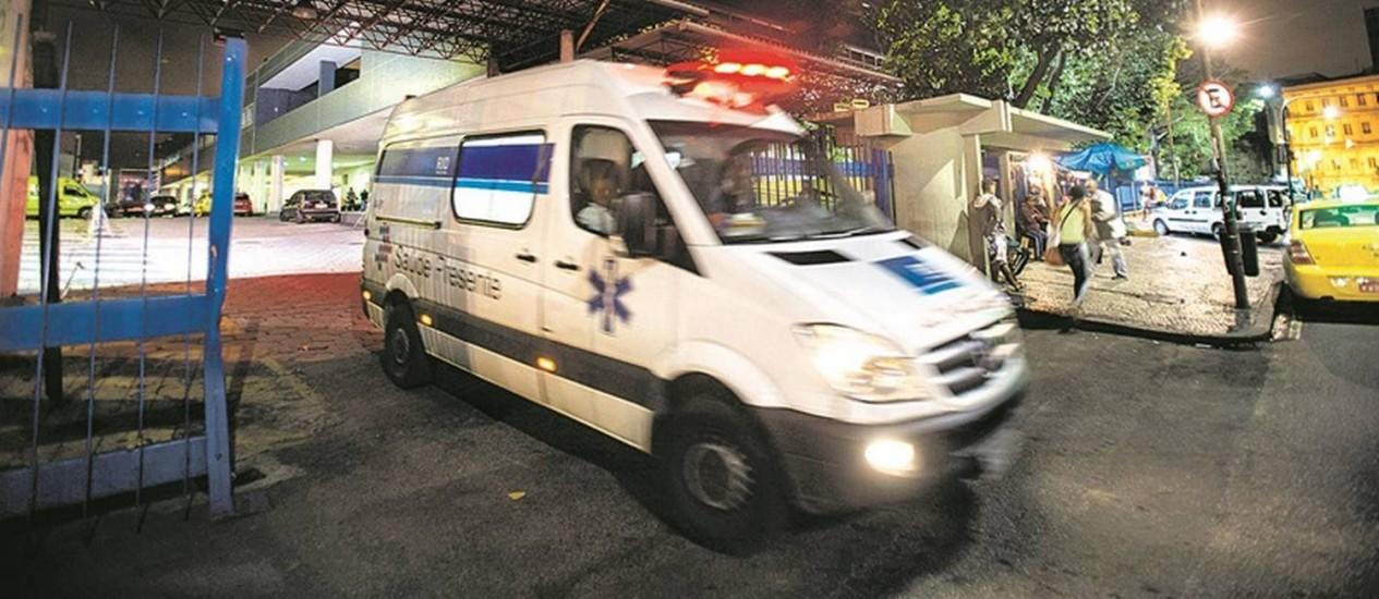 Entrada do Hospital Souza Aguiar, no Centro: a Secretaria municipal de Saúde informou que o roubo foi comunicado à polícia. Prejuízo pode chegar a R$ 100 mil Foto: Alexandre Cassiano