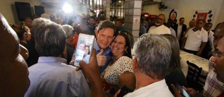 Crivella em evento em Campo Grande: candidato diz que panfletos foram feitos por católicos Foto: Divulgação