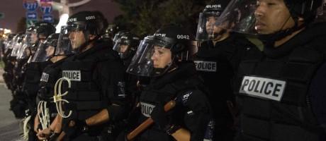 Terceiro dia de protesto contra a morte de um homem negro baleado pela polícia Foto: NICHOLAS KAMM / AFP