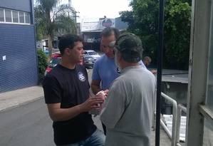 Candidato a prefeito do Rio, Indio da Costa (PSD) visitou, nesta sexta-feira, o Hospital municipal Pedro II, em Santa Cruz Foto: Marlen Couto