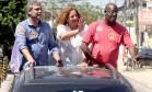Jandira percorreu comunidades da Zona Oeste ao lado do senador Lindbergh Farias e do candidato a vice-prefeito Edson Santos, ambos do PT Foto: Divulgação/Eny Miranda