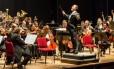 Orquestra Sinfônica Brasileira é regida por Minczuk